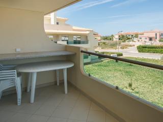 Joe Yellow Apartment, Porches, Algarve