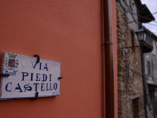 Old Hill - Via Piedi Castello