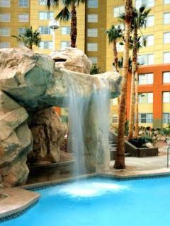 Kids waterfall heated pool