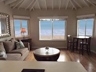 Atlantic Breeze Oceanfront1 bed1 bath for 4 on Hollywood Beach & Boardwalk