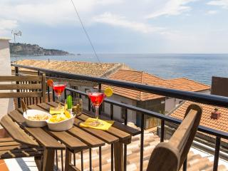 Zina Suite Apartment, Giardini-Naxos