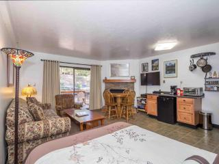 Centrally Located in Yosemite National Park!  Cozy