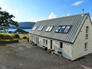 Cottage for 2 with Loch Awe just a 5 min walk