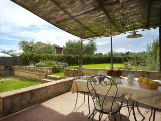 Apartment  Fienile in a Country House in Tuscany