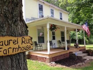 Laurel Run Farmhouse Hocking Hills Ohio & Wayne, Nelsonville