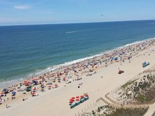 Perfect Direct Oceanfront Bldg 2BR/2BA Condo!!!