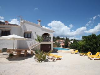 Laura-28A - traditionally furnished detached villa with peaceful surroundings, Calpe