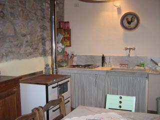 Casa Irene, a wonderful stone cottage, Pescaglia