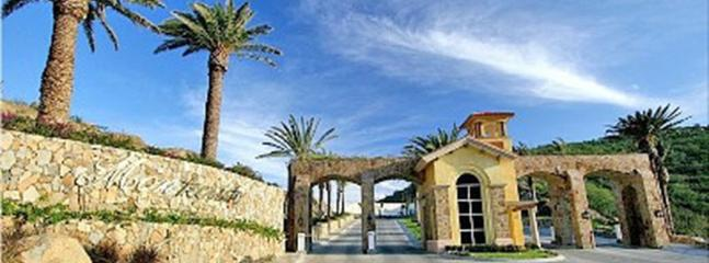 Secure, guarded and gated entry to the Montecristo villa community