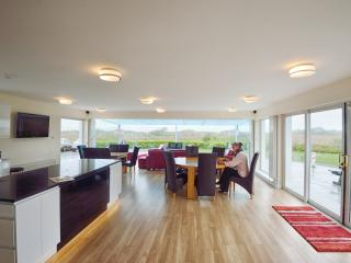 LAGAN FIVE 5STAR OLDHEAD BEACH WESTPORT LOUISBURGH, Westport