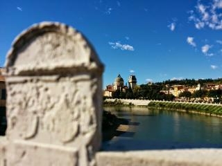 Sentirsi a casa, vicino al fiume, Verona