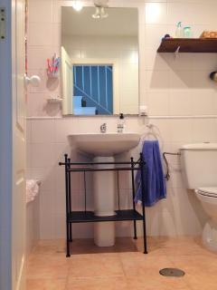 Cuarto baño completo. 1ª planta
