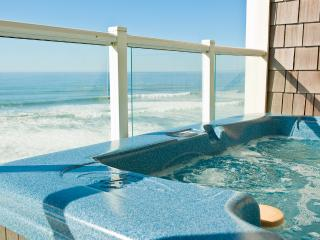 Top Floor Oceanfront Condo-Hot Tub-Pool-WiFi-HDTV, Lincoln City