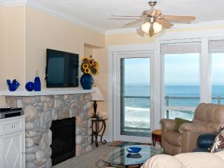 Top Floor Oceanfront Condo-Hot Tub-Pool-WiFi-HDTV, Lincoln City
