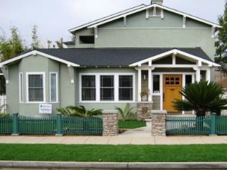 The Oceanside Craftsman House4