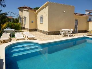 Apart-rent (0008) Casa con piscina en Empuriabrava