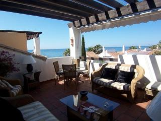 Next to beach  4 D/B Luxury penthouse LOWER RATES, Marbella