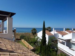 4 D/Beds  Sea Views, 2 min to beach, a Luxury penthouse 5 terraces LOWER RATES!, Marbella