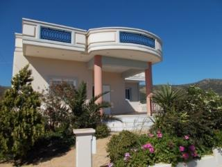 Holiday apartment in Kissamos with two bedrooms and pamoramic view to the sea.