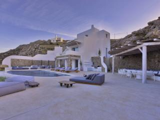 Stunning brand new villa designed for relaxation, Kalo Livadi