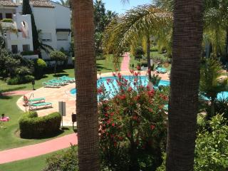 Beautiful  2 Bed, 2Bath Costalita Apt, Estepona