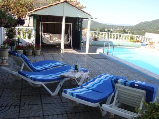 Beautiful Detached Bungalow with Private Pool., Penela