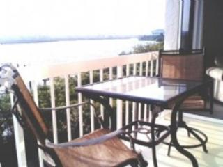 Epic Direct Panaroma Waterfront, Step to Beach, Heated Pool,Hot Tub,Private Dock, Indian Shores