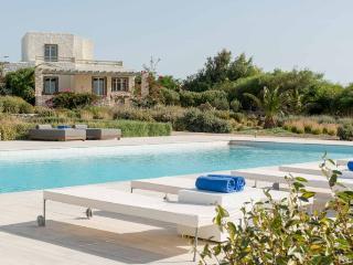 Stagones Luxury Villas Executive Private Pool 4BR, Ampelas