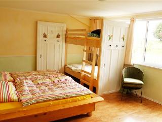 """Wunderschönes Zimmer """"Tulpe"""" mit Gemeinschaftsbad, Kappeln"""