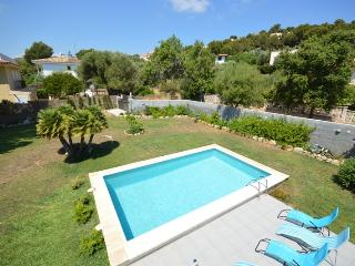 Fresh renovated holiday house with pool, AC, Font de Sa Cala