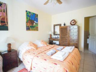 Gauguin bedroom with en suite