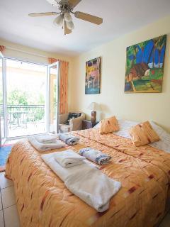 Gauguin bedroom en suite