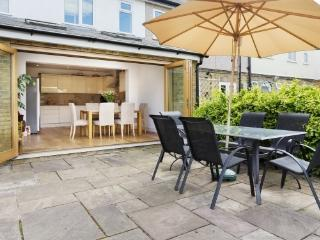 3 bed house with large garden, Richmond, Richmond-upon-Thames