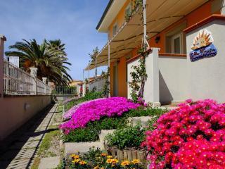 Villa Doria Casa Vacanze TRILOCALE C 6 posti letto, Valledoria