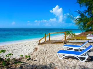Grace Bay Beach Eco Retreat Cottages - Sleeps 10+, Providenciales
