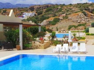 Garden Suite with pool view, Makrys-Gialos
