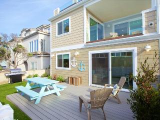 #715 - Brand-new luxurious, 100 feet from ocean, spacious patio & balcony, San Diego