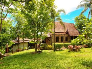 Villa Thai Teak with amazing Ocean Views