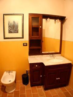 Bagno primo piano / Bathroom first floor