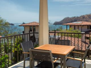 3Br Oceanview Flat for 8 with Two Terraces