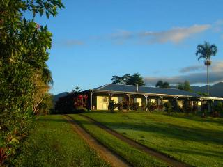 INGAN ECO LODGE, Tully