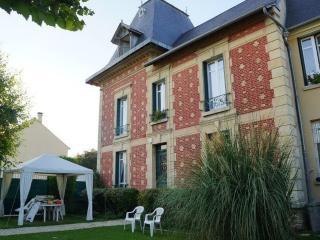 LES CHENEVIS Chambres d'hôtes / B&B près de CERGY, Jouy-le-Moutier