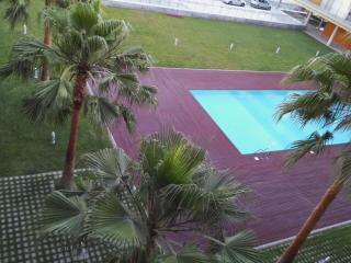 Apartamento Cachemir, FRONTAL al mar , en la playa