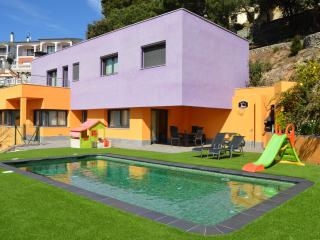 VILLA LAIA COSTA BARCELONA, PRIVATE POOL,FREE WiFi, Santa Susanna