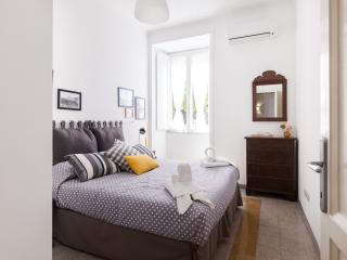 Big and bright bedroom with queen size bed and air conditioning