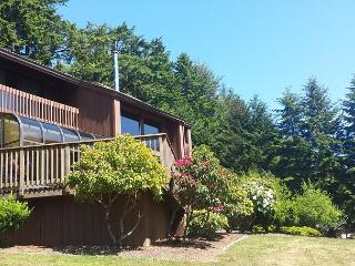 Fairway Lodge  - Elegant 3 bdrm Home on the 18th Hole, McKinleyville