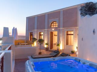 Poseidon Mansion in Santorini, Oia