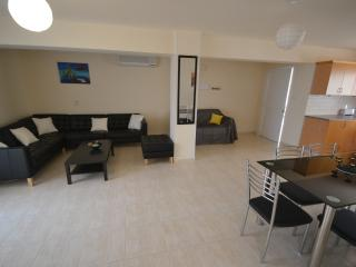 Konnos One Bedroom Lux Holiday Flat