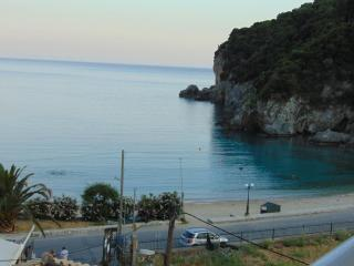 sea view  Studio 90 meters from the Beach for 2, Paleokastritsa