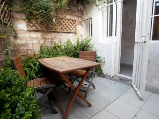 quiet retreat with private flowered terrace, Barcelona